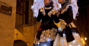 Echassières lumineuses en déambulation musicale - Les Elégantes