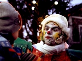 Lutins de Noël sur échasses