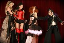 Echassiers de cirque - Cuckoo Crazy Circus