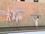 Inauguration avec échassiers et artistes sur une façade (38)