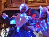 Echassiers lumineux en parade musicale